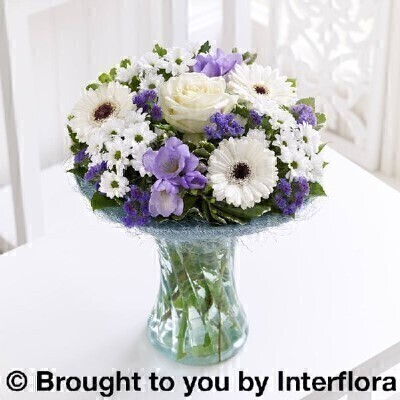 <h1>Blue and white flowers - Flowers in a Vase</h1>