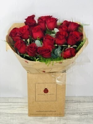 Burning Desire Red Rose Hand Tied: Booker Flowers and Gifts