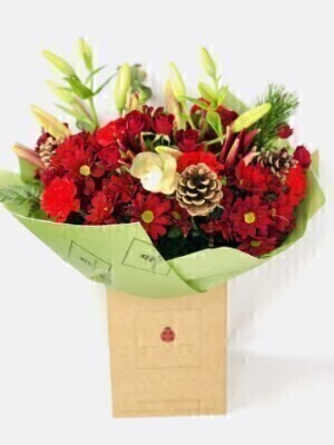 Christmas Cracker Handtied Extra Large: Booker Flowers and Gifts