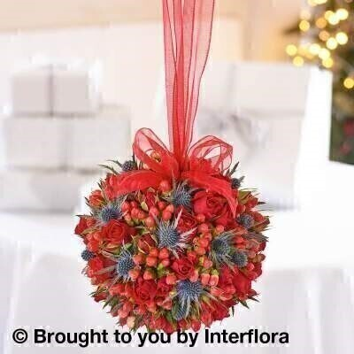 Christmas Kisses Pomander: Booker Flowers and Gifts