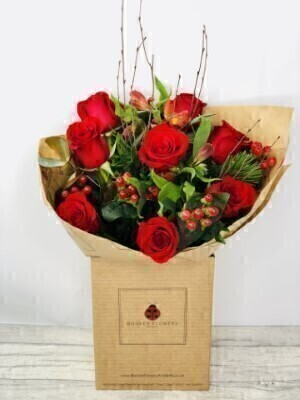 Christmas Red Rose Hand Tied: Booker Flowers and Gifts