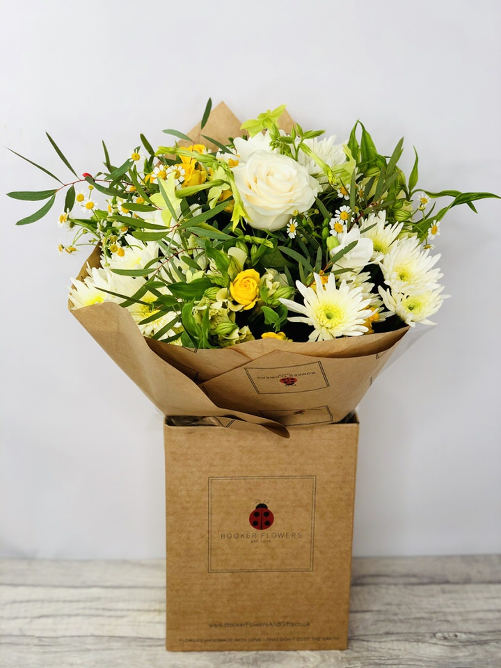 Citrus Squeeze White and Yellow Bouquet: Booker Flowers and Gifts