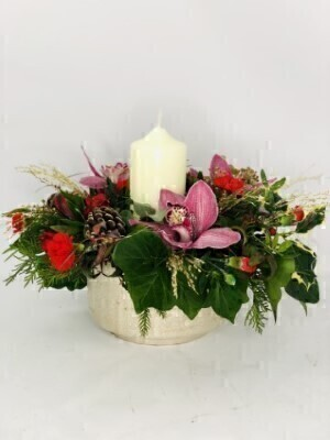 Christmas Pillar Candle Table Centrepiece