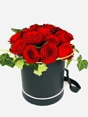 Crimson Rose Hatbox Large: Booker Flowers and Gifts