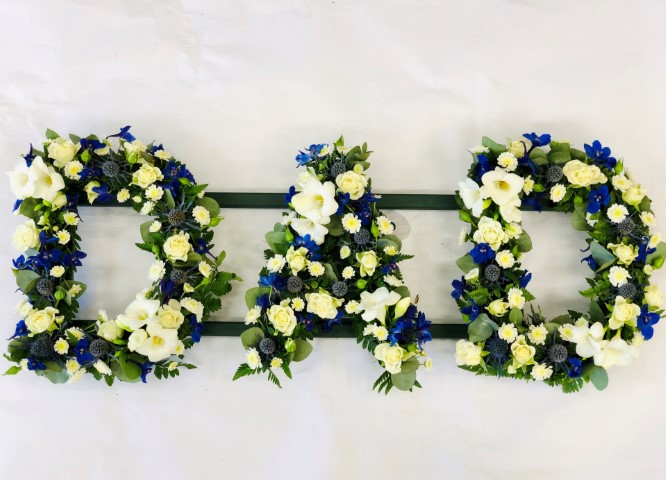 DAD Tribute in Blue and White: Booker Flowers and Gifts