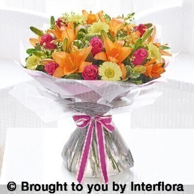Extra large summer sunshine hand tied: Booker Flowers and Gifts