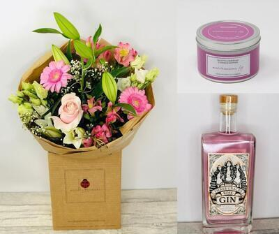 Flowers - Pink Gin and Scented Candle Gift Set - Think Pink!