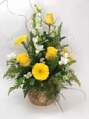 Golden Flower Arrangement: Booker Flowers and Gifts