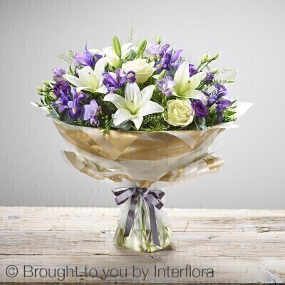 Large Baby Boy Hand-tied: Booker Flowers and Gifts