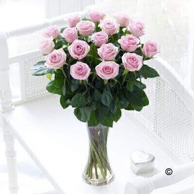 Large Elegant Pink Rose Vase: Booker Flowers and Gifts