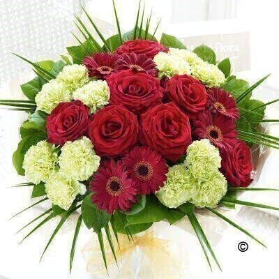 Red and Green Flowersandnbsp;- Flowers in Water