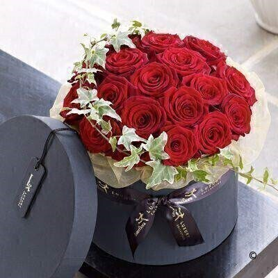 Luxury Grand Prix Rose Hatbox: Booker Flowers and Gifts