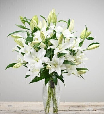 Luxury Oriental White Lily Vase: Booker Flowers and Gifts