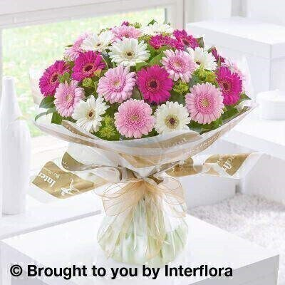 <h1>Pink and white Flowers - Bouquet in a Box&nbsp;</h1>