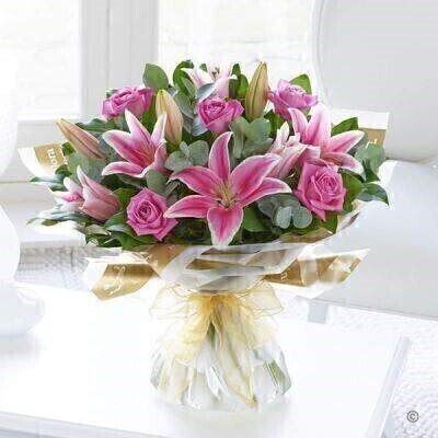 Pink and Whiteandnbsp;Flowers - Flowers in Water