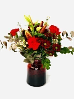 Red Christmas Flowers in Vase: Booker Flowers and Gifts