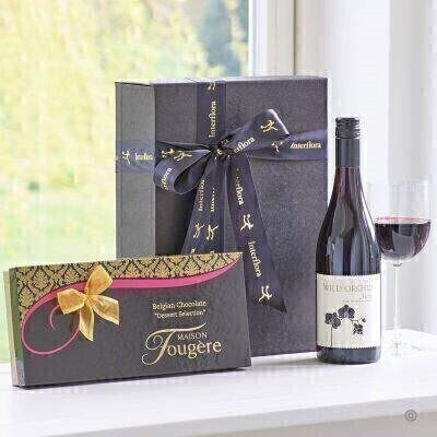 THIS PRODUCT CONTAINS ALCOHOL AND AS SUCH SHOULD ONLY BE BOUGHT FOR SOMEONE OVER THE AGE OF 18 This stylish gift box combines a bottle of Wild Orchid Red Wine with delicious dessert chocolates from Maison Fougere a perfect combination.
