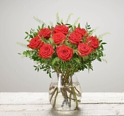 Red Rose Bouquet - Flowers in Glass Vase