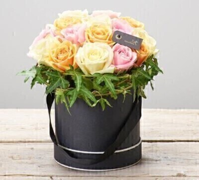 Sherbet Rose Hatbox Large: Booker Flowers and Gifts