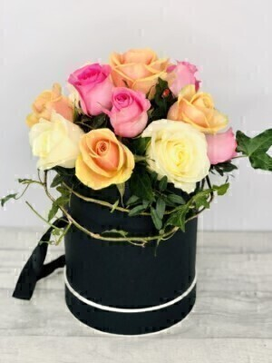 Sherbet Rose Hatbox: Booker Flowers and Gifts
