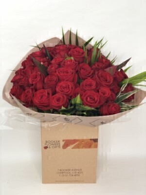 Unforgettable 50 Rose Hand-tied: Booker Flowers and Gifts