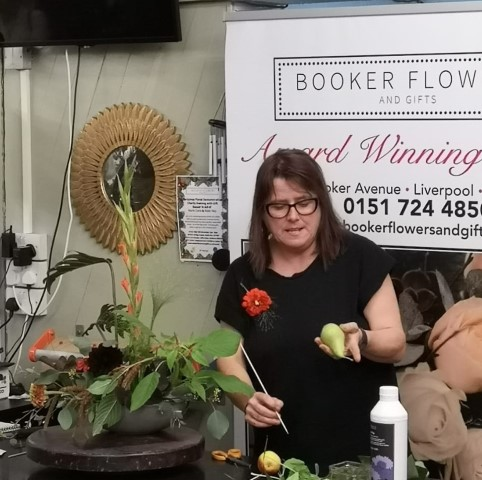 Booker Flowers and Gifts Flower School Autumn Tutorial Video