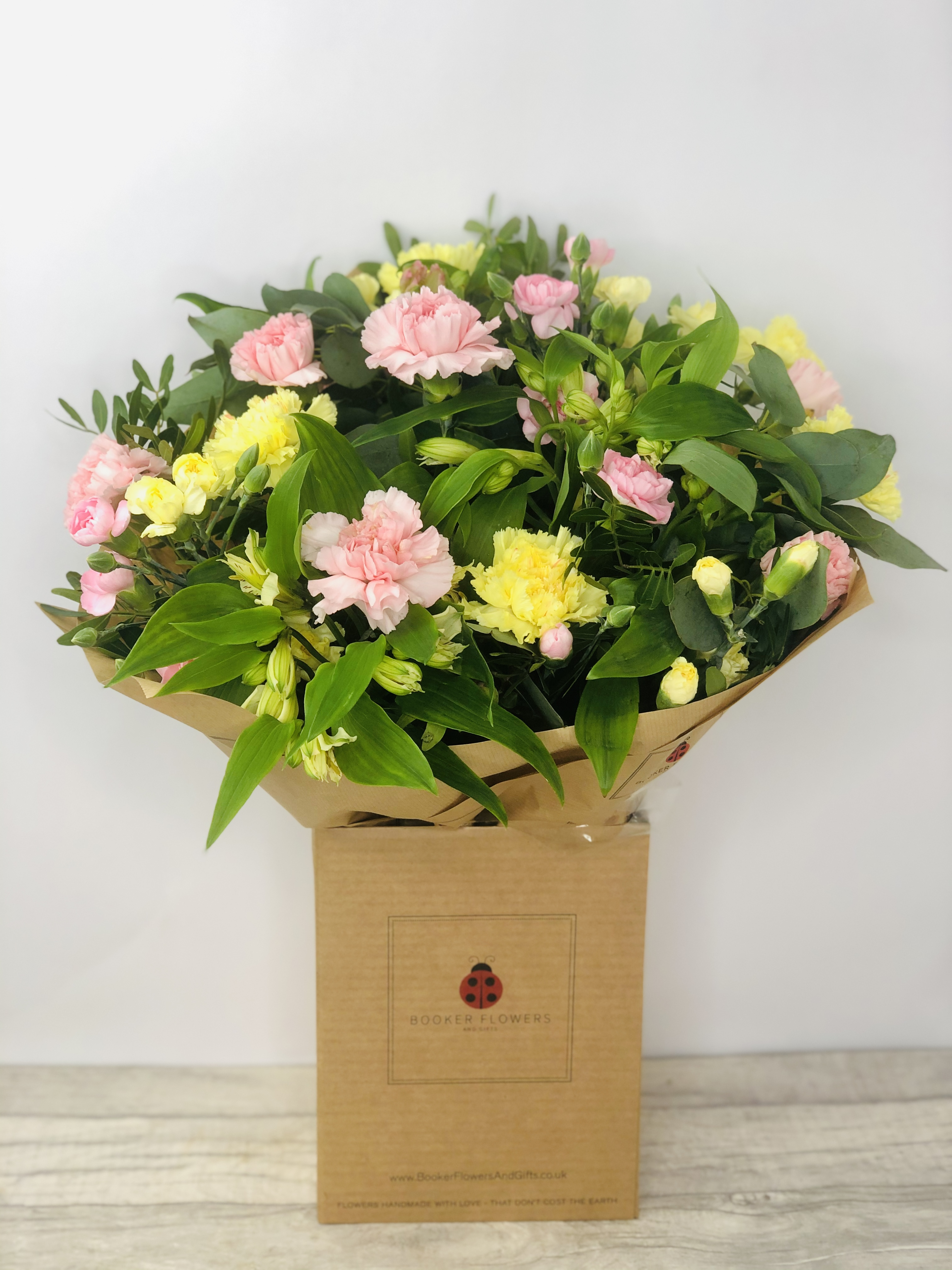 We have a wide selection of Hand Tied Bouquets - we offer Flower Delivery Liverpool. We can provide Handtied bouquets for you in Liverpool - Merseyside and can organize Handtied Bouquet deliveries for you Nationwide.