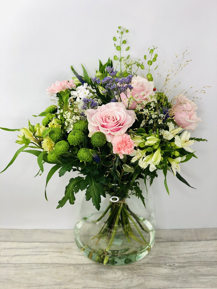 We have a wide selection of Vases of Flowers - we offer Flower Delivery Liverpool. We can provide Vases of Flowers for you in Liverpool - Merseyside and can organize Vases of Flowers deliveries for you Nationwide.