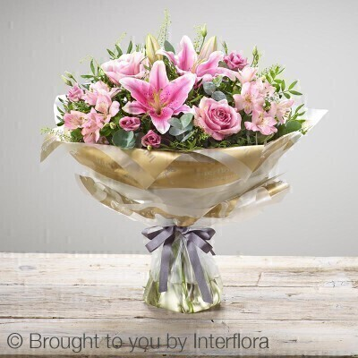 <h1>Pink Flowersandnbsp;-andnbsp;Flowers in Water</h1>