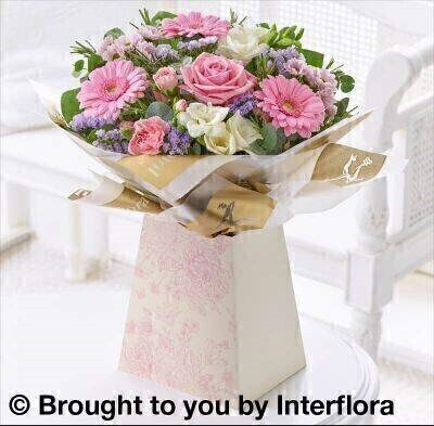 <h1>Pink Flowers -andnbsp;Bouquet in Box Liverpool Flower Delivery</h1>