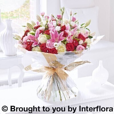 <h1>Pink Red and white Flowers - Luxury Flowersandnbsp;</h1>