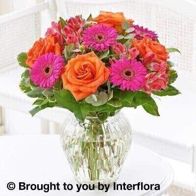 <h1>Vibrant Flowers - Flowers in a Vase</h1>